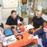 """2012 - FM NOVENTA. La Asociación de Comerciantes de Floresta Norte y Velez Sarsfield visita """"Popurrí de poco un todo""""."""