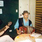 """2000 - RADIO ABIERTA. Unplugged del trío humorístico """"Los Parranderos"""" en """"Todo El Año Es Carnaval""""."""