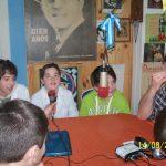 """2014 - FM NOVENTA. Alumnos de la escuela """"Estados Unidos de Norteamérica"""" visitan """"La Bocina de Mi Barrio""""."""